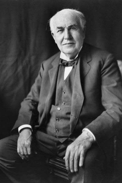800px-Thomas_Edison2