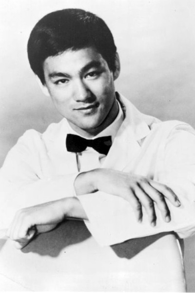 https://sw.wikipedia.org/wiki/Picha:Bruce_Lee_as_Kato_1967.jpg